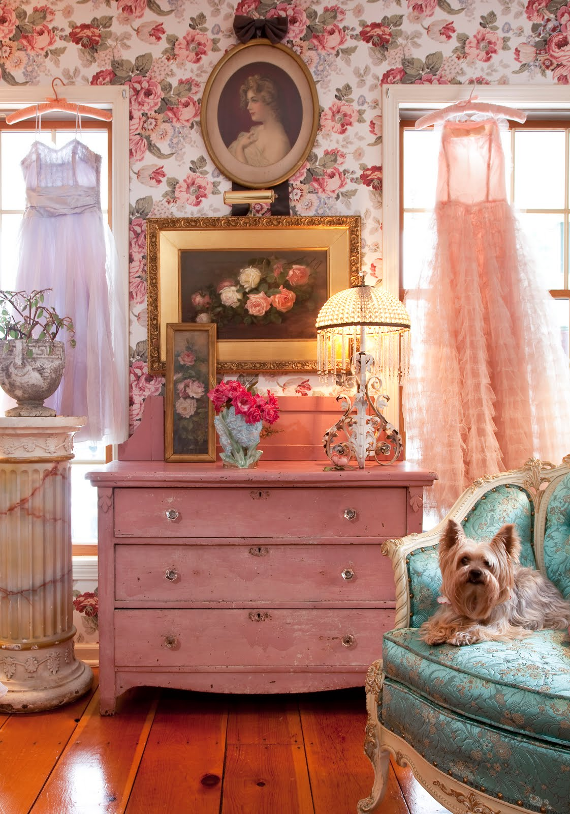 Blog Ideas How Retro Pin Up Girly Room Floral Wallpaper Pink Dresser 50s Style Inteior Decor Design Better Decorating