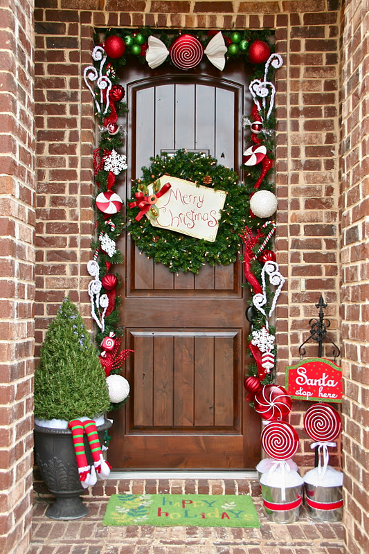 How to achieve the perfect front door decor this christmas for Deco decoration