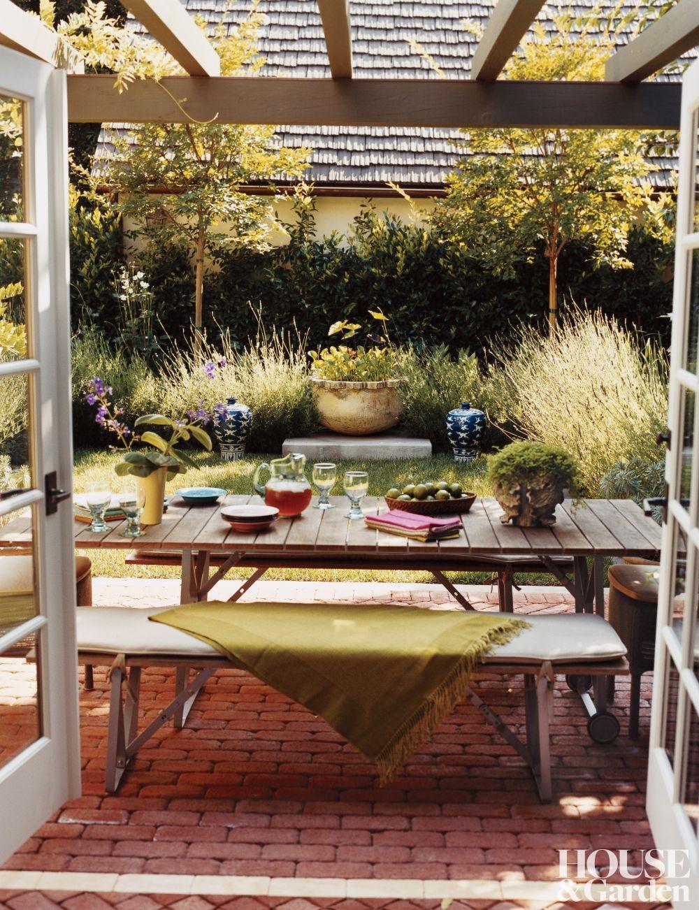 rustic-outdoor-space-kim-alexandriuk-interior-design-los-angeles-california-200708_1000-watermarked