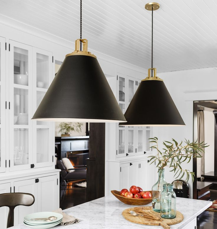 How To Hang And Decorate With Kitchen Pendant Lights - Black hanging kitchen lights