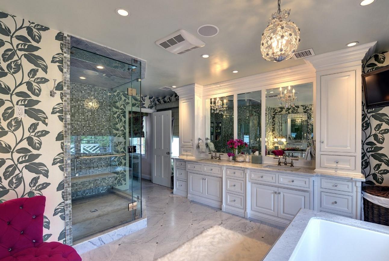 glamorous-bathroom-decorating