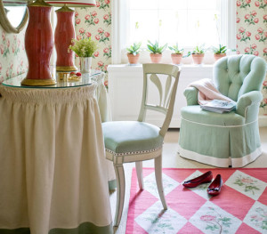 DIY Friday: Table Makeover in Minutes