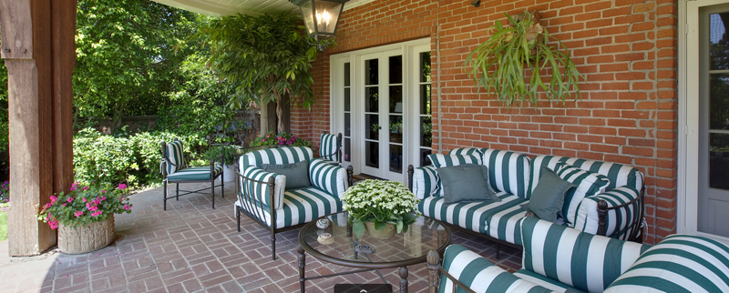 Red Brick Patio Furniture