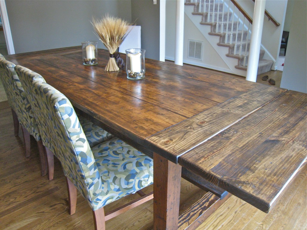 Diy friday rustic farmhouse dining table for Rustic dining room table plans