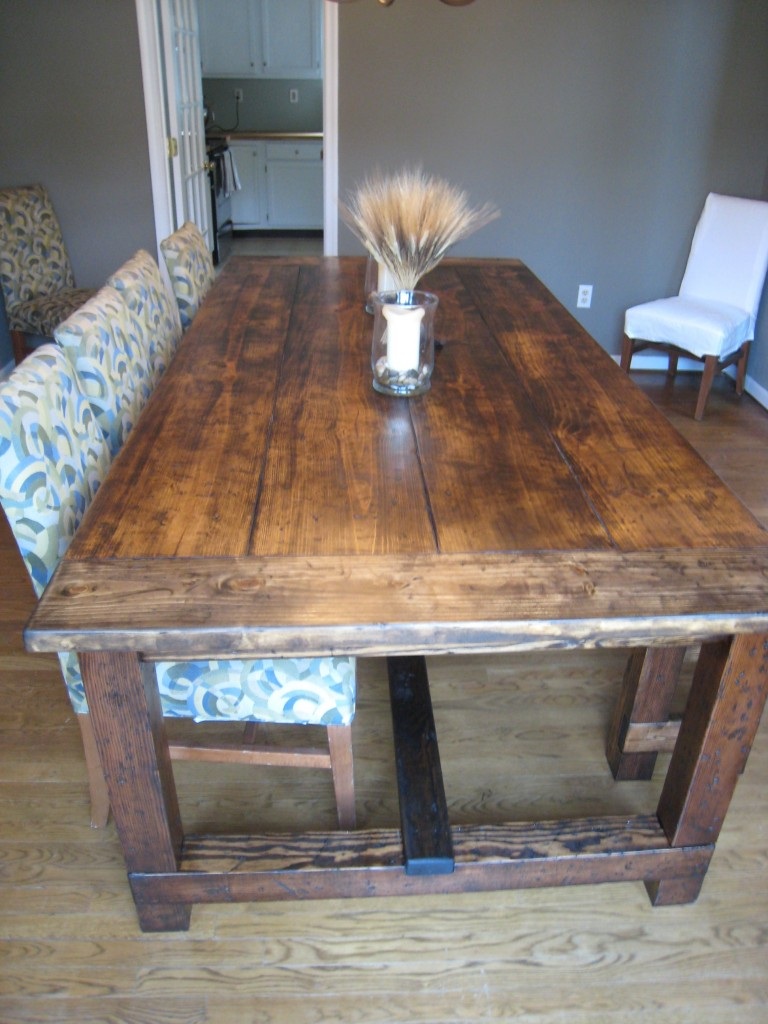 Diy friday rustic farmhouse dining table for Dining room farm table