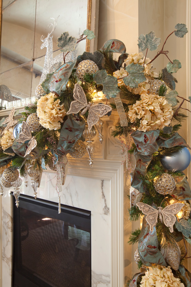 Garland betterdecoratingbible page 2 for Christmas garland decoration ideas