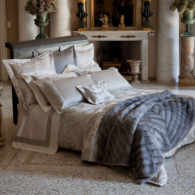 Gallery For Decorative Bed Pillows