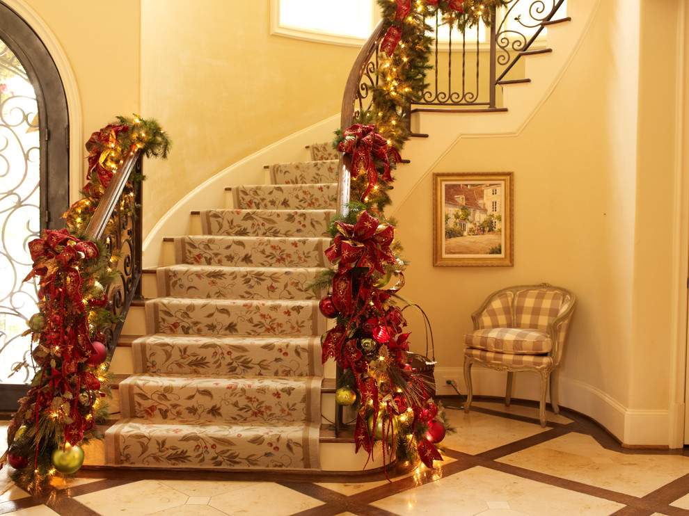 regina gust interiors - Decorating Banisters For Christmas With Ribbon