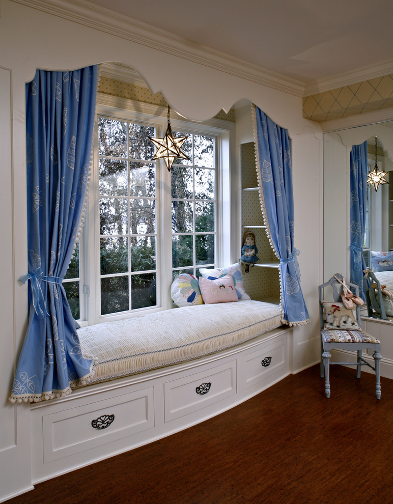 Cuddle up corners on pinterest cozy nook reading nooks for Interior design curtains