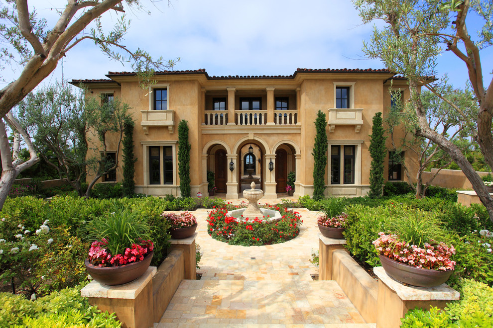 Picture your life in tuscany in a mediterranean style home for Mediterranean homes images