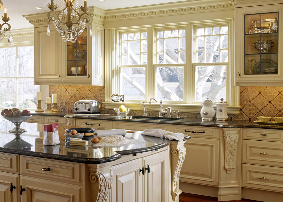 Restoring a charming victorian home look at the stunning for Kitchen ideas victorian