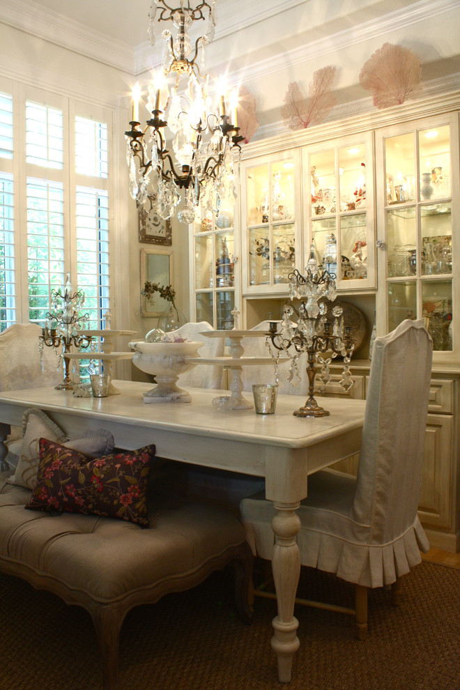 Is this home a little too crowded you be the judge for Dining room decor accessories