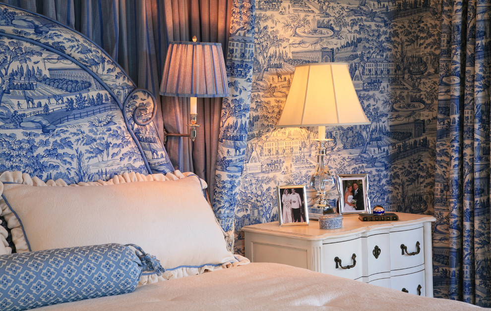 Blue And White Toile Bedroom: 1 Color, 1 Room! Check Out How These Designers Made It