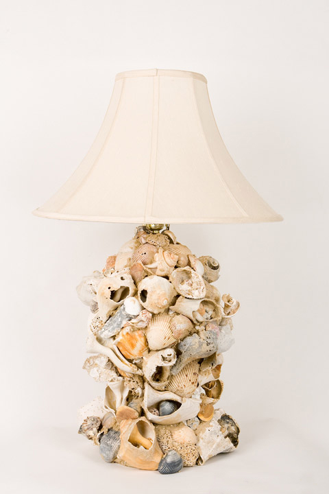 barbara-stroer-com-Suzy-q-better-decorating-bible-blog-ideas-star-fish-sea-shell-lamp-diy-do-it-yourself-project-cheap-chic-how-to-tape-lamp-shade-tutorial-tools-one-of-a-kind-designer-light