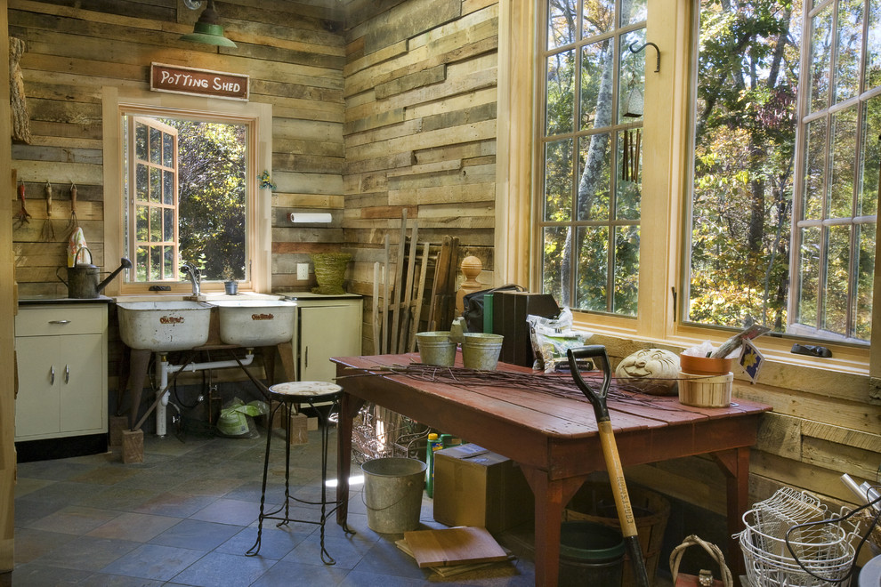 rustic-garage-and-shed