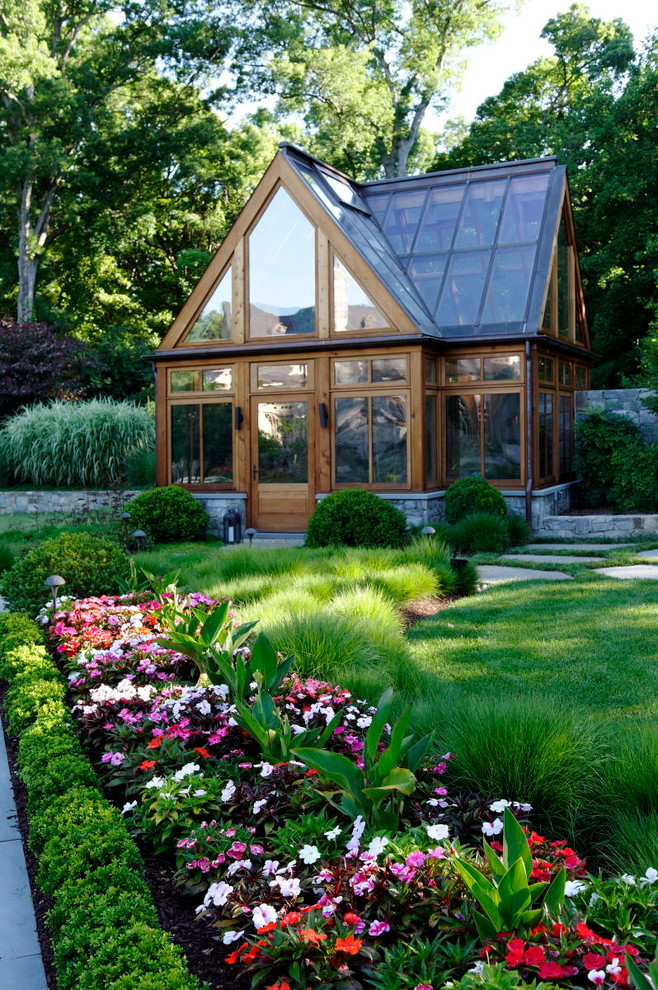 Get ready for a new season easy fall prep garden projects for Traditional landscape