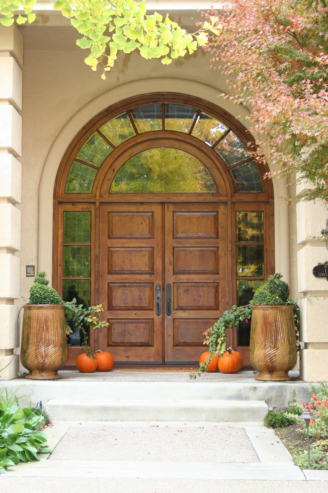 fall decor front door mediterranean-family-room