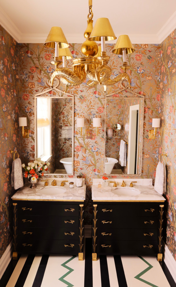 10 amazing bathroom wallpaper ideas and tricks betterdecoratingbiblebetterdecoratingbible for Wallpaper trends for bathrooms