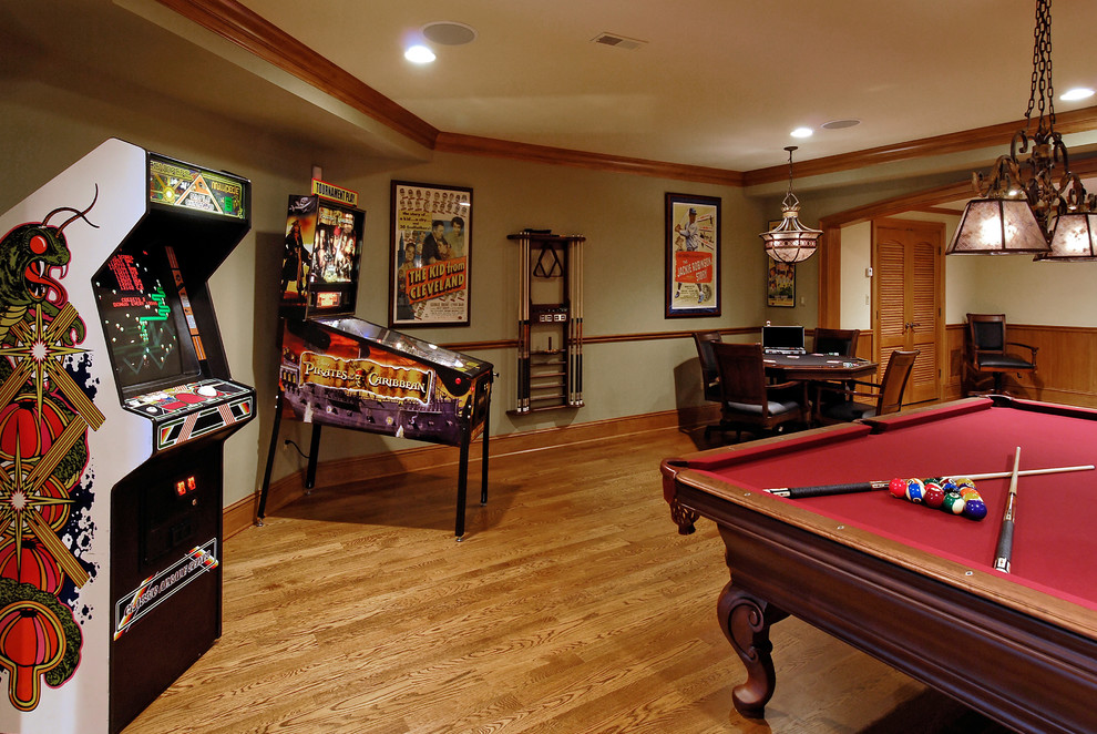 How to transform an empty space into a game room for Small entertainment room decorating ideas
