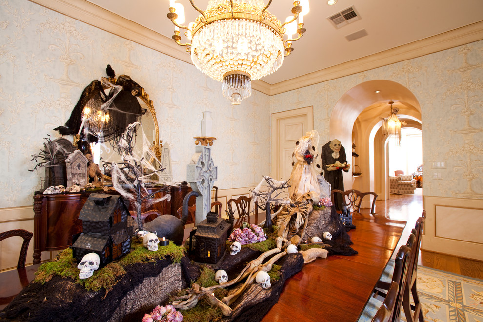 Halloween home tour how to decorate your spooky home for Home halloween decorations