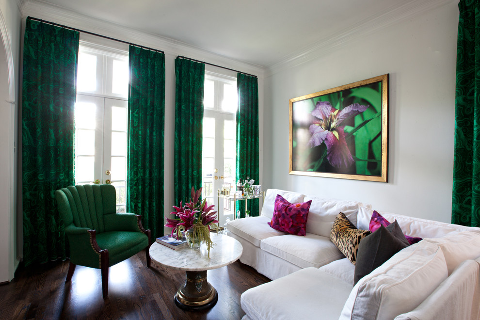 An eye on malachite how to get the emerald green look for Interior design curtains