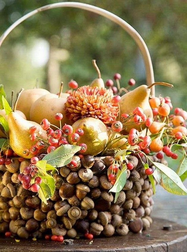 10 easy thanksgiving decor table how to candles centerpiece fall leaves pumpkins squashes dinin table front door projects last minute diy ideas vases place mats