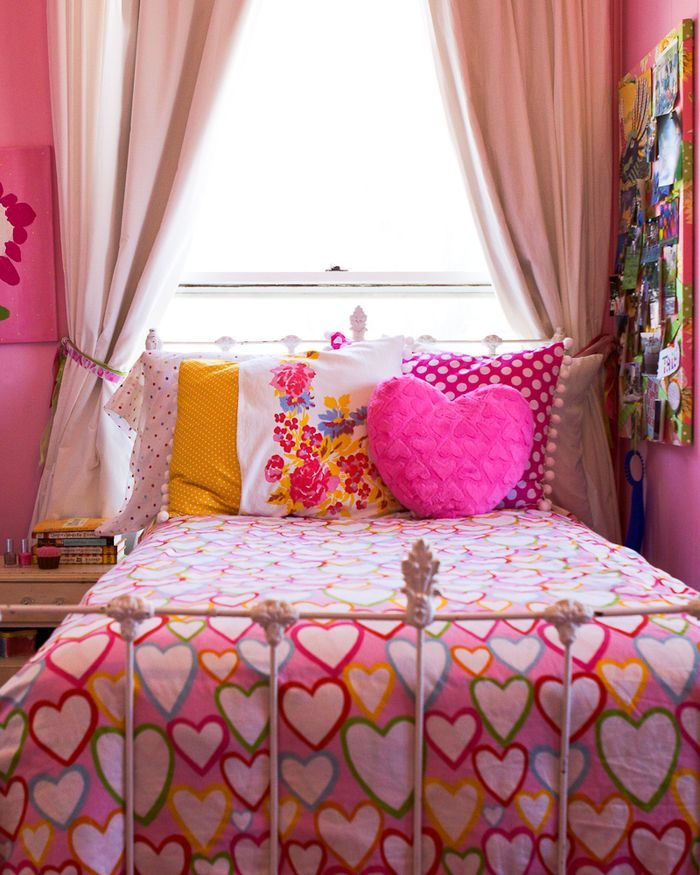 2233 girly kids room pink curtains decorating ideas how to design better decoration bible blog shag rug doll house louis xvi chair bed frame