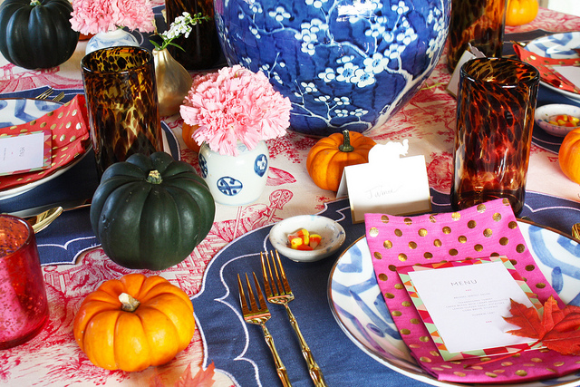 4 thanksgiving table set up tablescape ideas gold sunburt mirror chinese print fuschia table cloth blue lamps chinoiserie better decorating bible blog