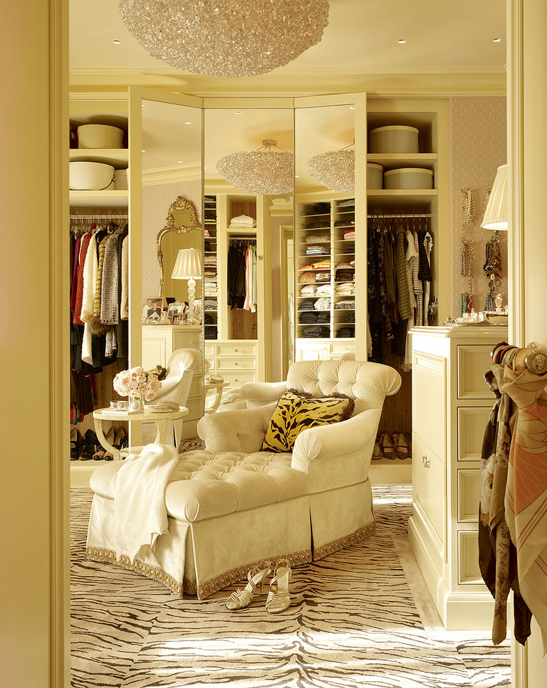 Walk in closet betterdecoratingbible for Dressing room interior