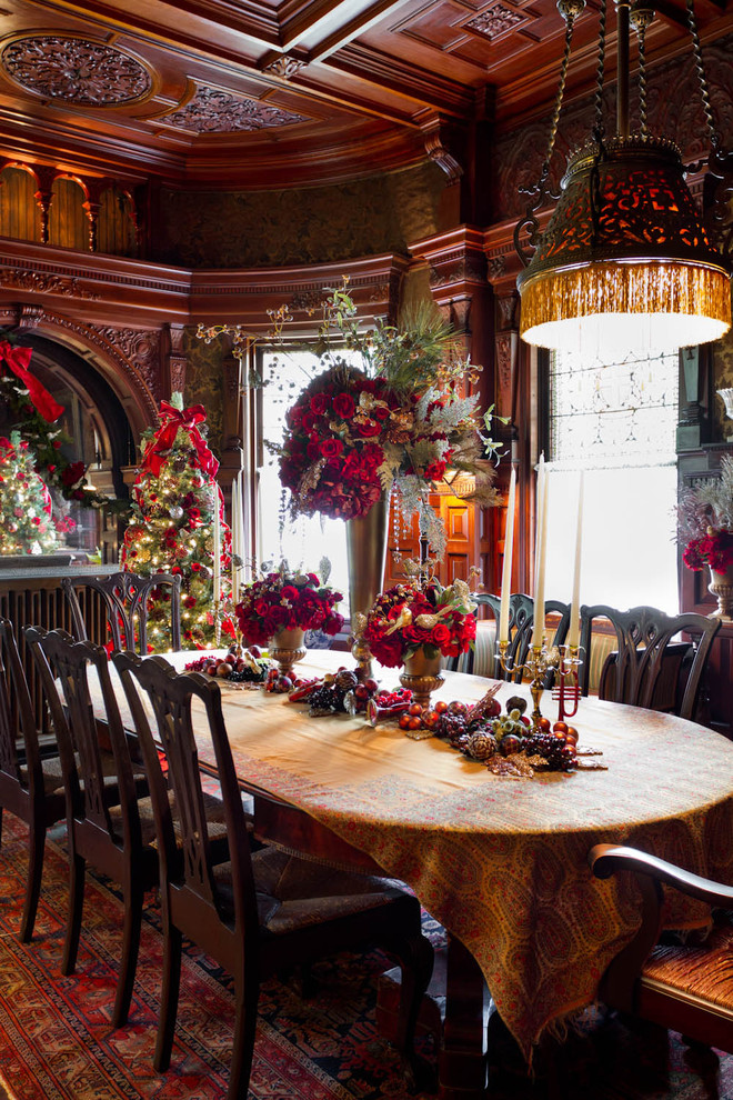 5 easy ways to make your home warm and cozy this holiday for Traditional dining room decorating photos