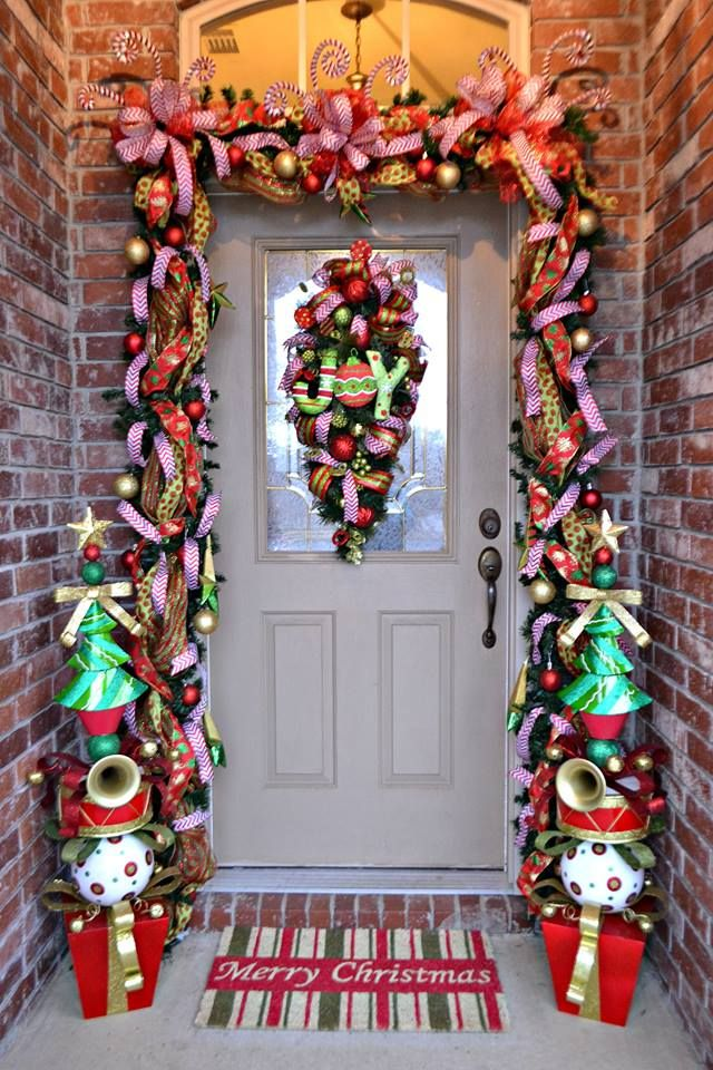 Decorating Ideas > How To Achieve The Perfect Front Door Decor This Christmas  ~ 015324_Christmas Decorating Ideas For The Front Door