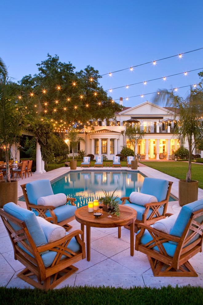 Dream getaway tour this stunning florida mansion for Outdoor pool decorating ideas