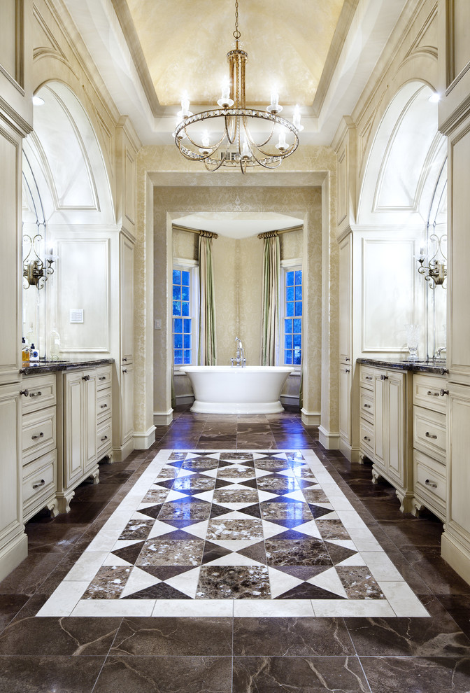 traditional-bathroom