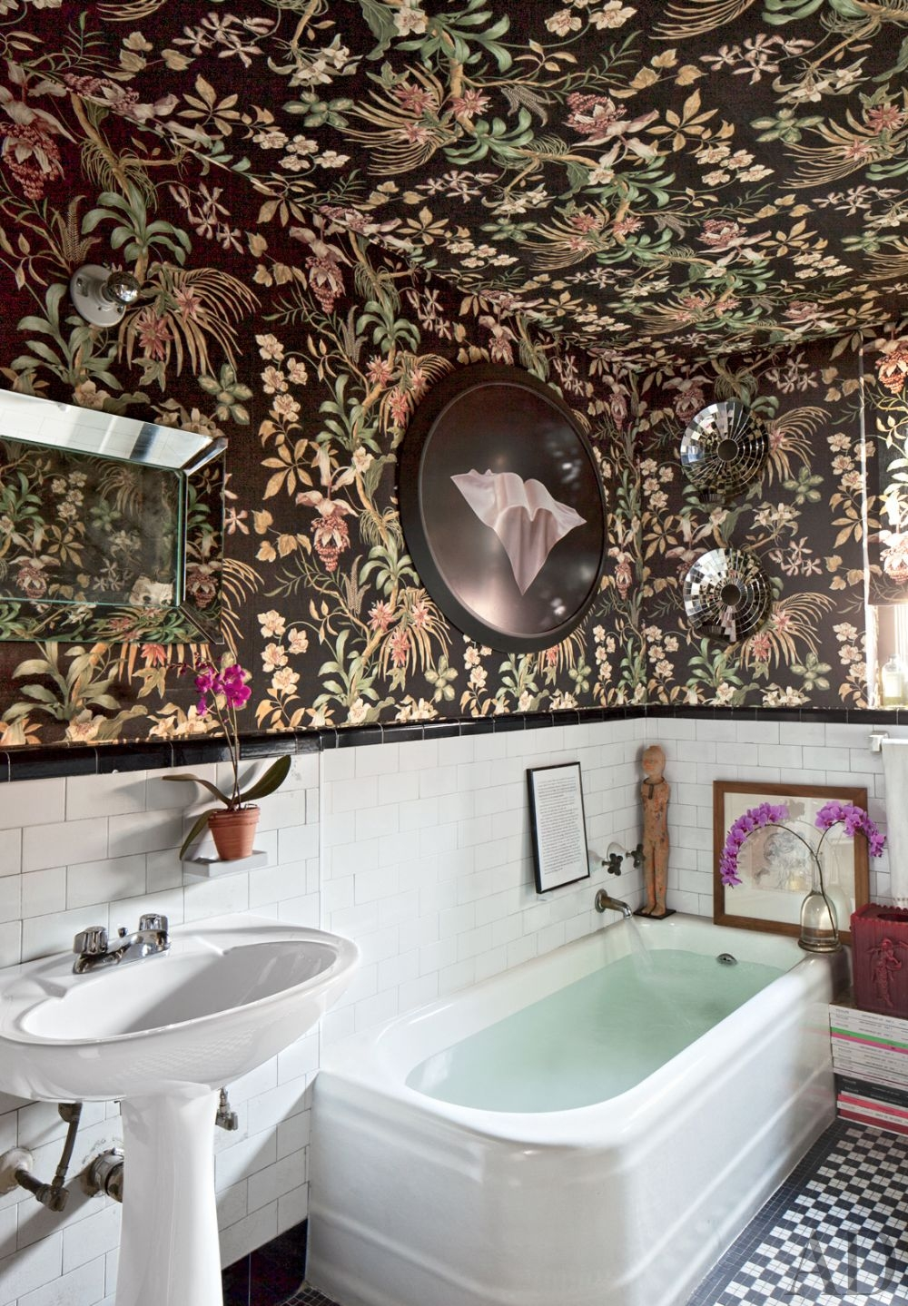 Bold And Beautiful Forget Bland Bathrooms And Try These