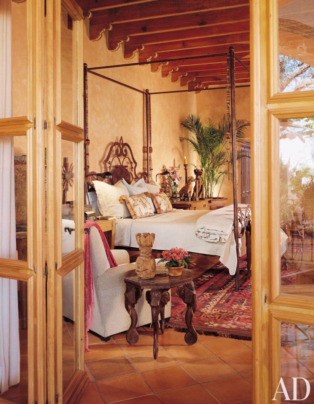 rustic-bedroom-san-miguel-de-allende-mexico-200408_1000-watermarked