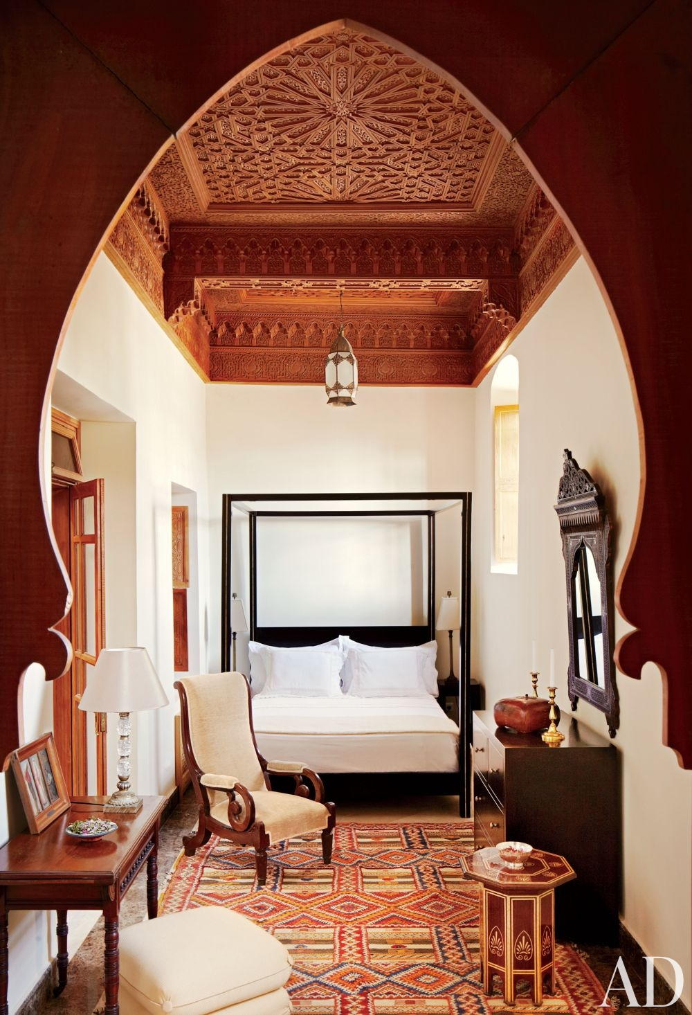 Moroccan betterdecoratingbible for Exotic bedroom decor