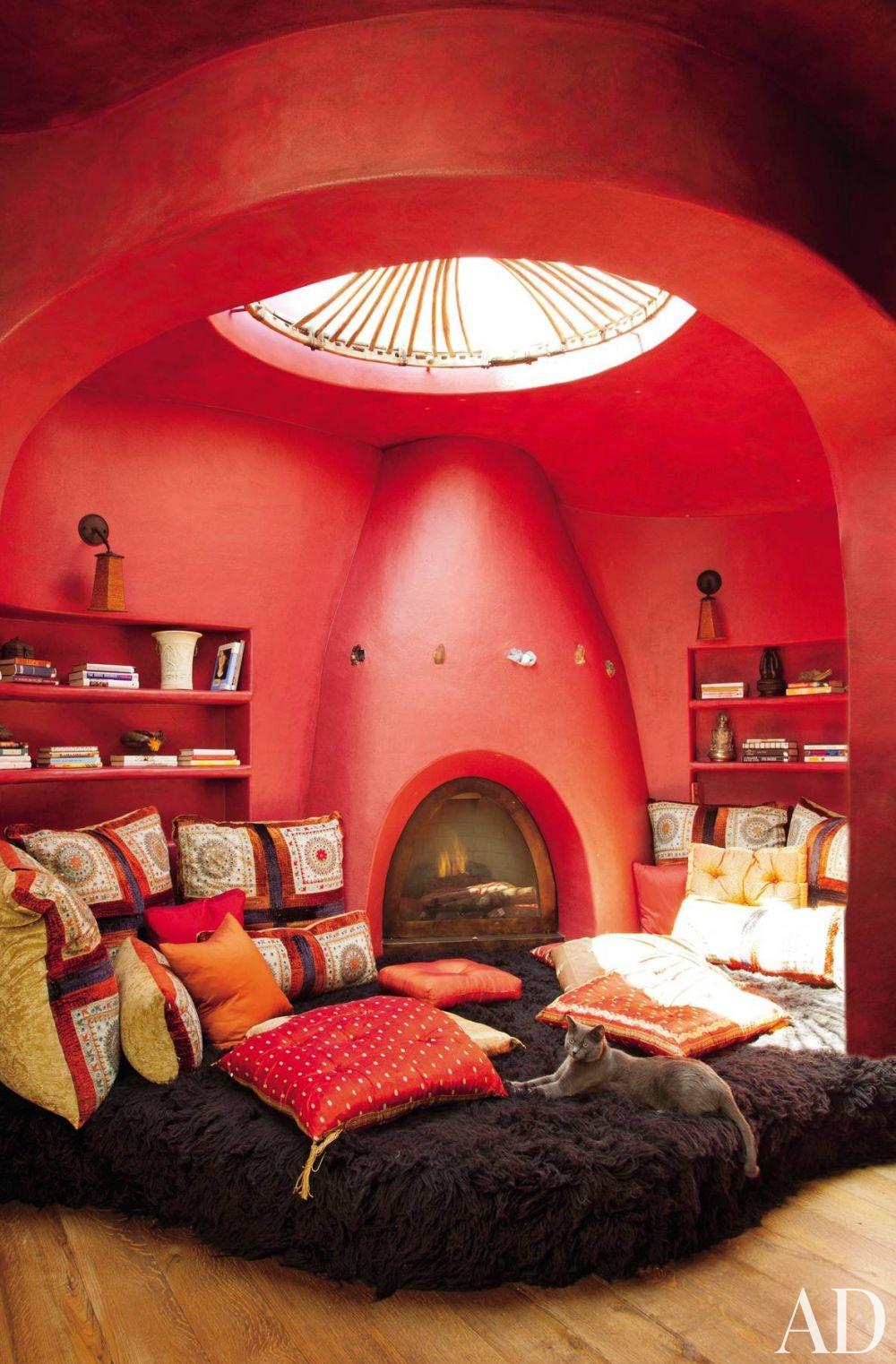 exotic-media-game-room-judith-lance-calabasas-california-201109-2_1000-watermarked