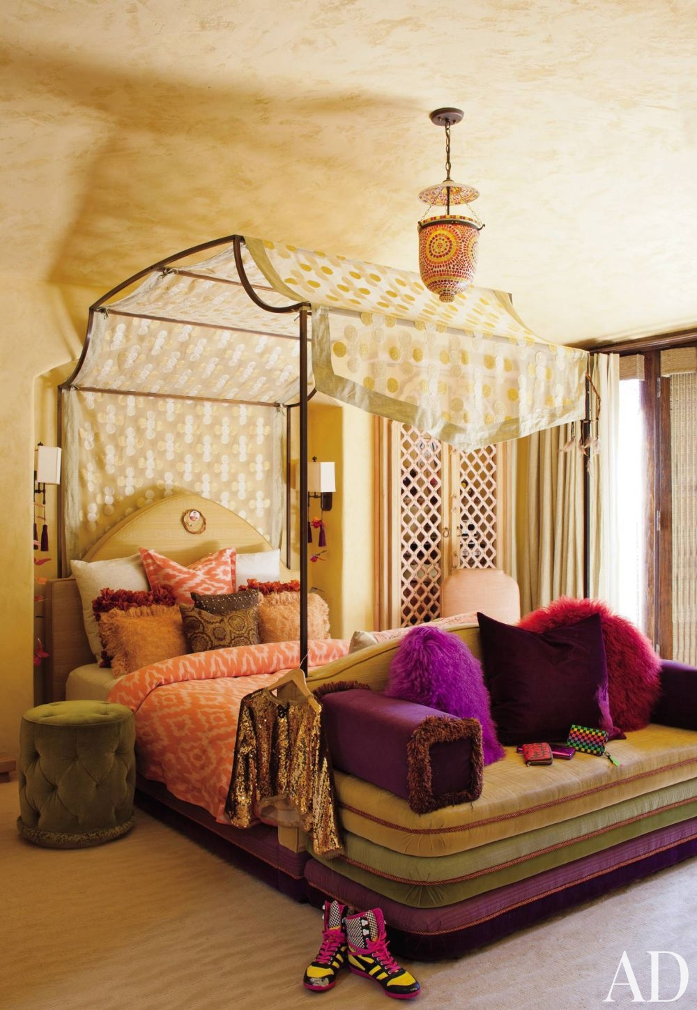 Take a trip to morocco 7 tips to nail this exotic decorating trend straight from the dessert - Moroccan bedroom ideas decorating ...