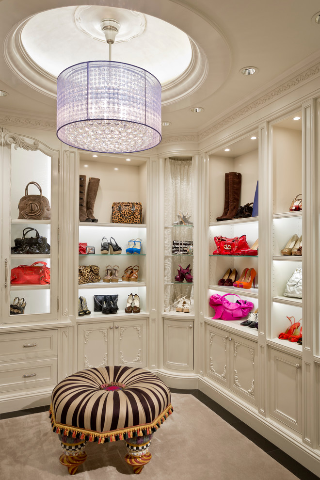 chandelier Mediterranean-Closet (1)
