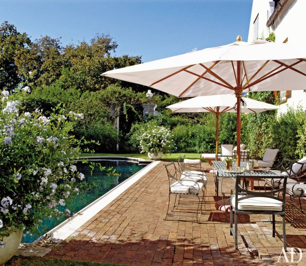 traditional-outdoor-space-graham-viney-cape-town-south-africa-200508_1000-watermarked