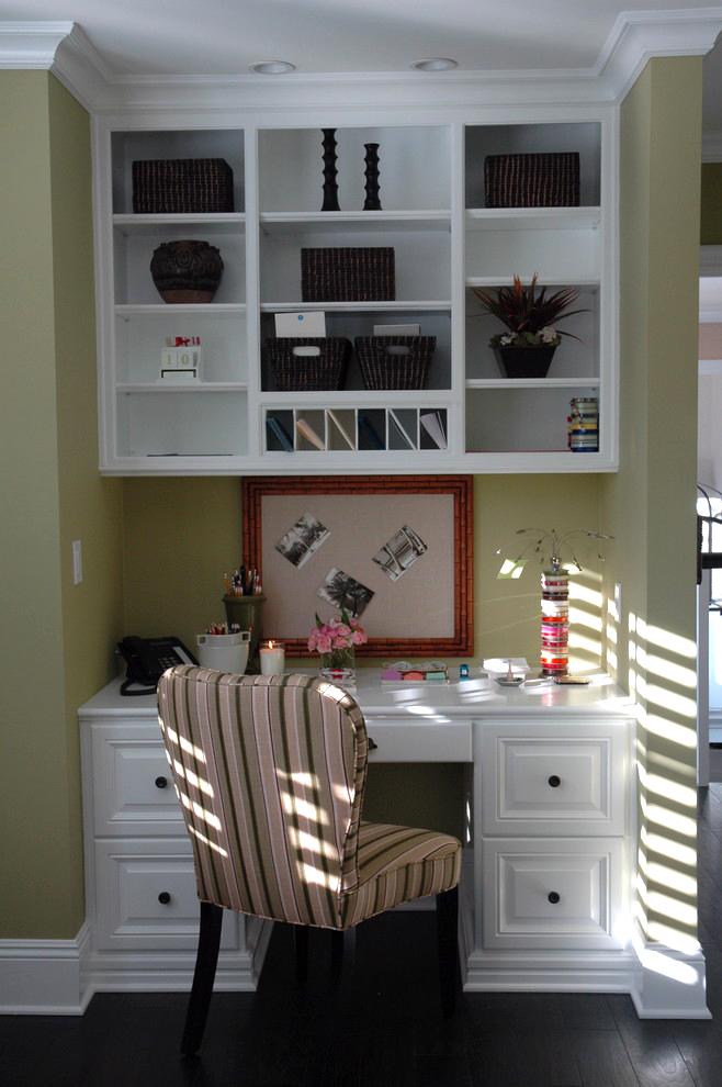 mini hallway office comman center ideas storage calendar bulletin board decorating shelves