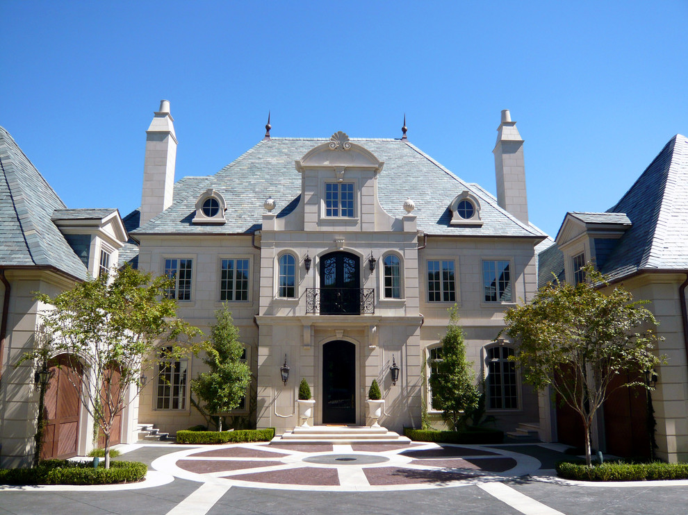 Monday eye candy stunning classical french home in dallas for Classic house plans