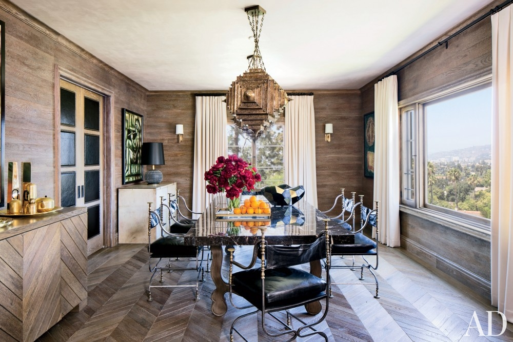 modern-dining-room-martyn-lawrence-bullard-design-los-angeles-ca ellen pompeo better decorating bible blog dining room vintage leather chairs