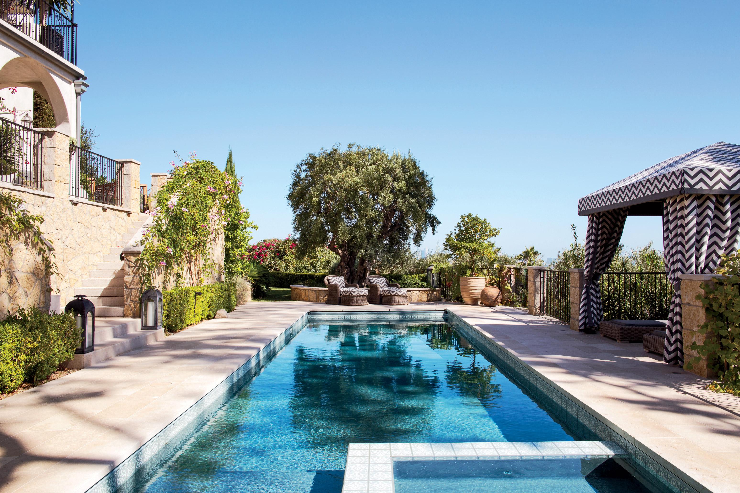 modern-pool-martyn-lawrence-bullard-design-los-angeles-ca-201411-3.jpg