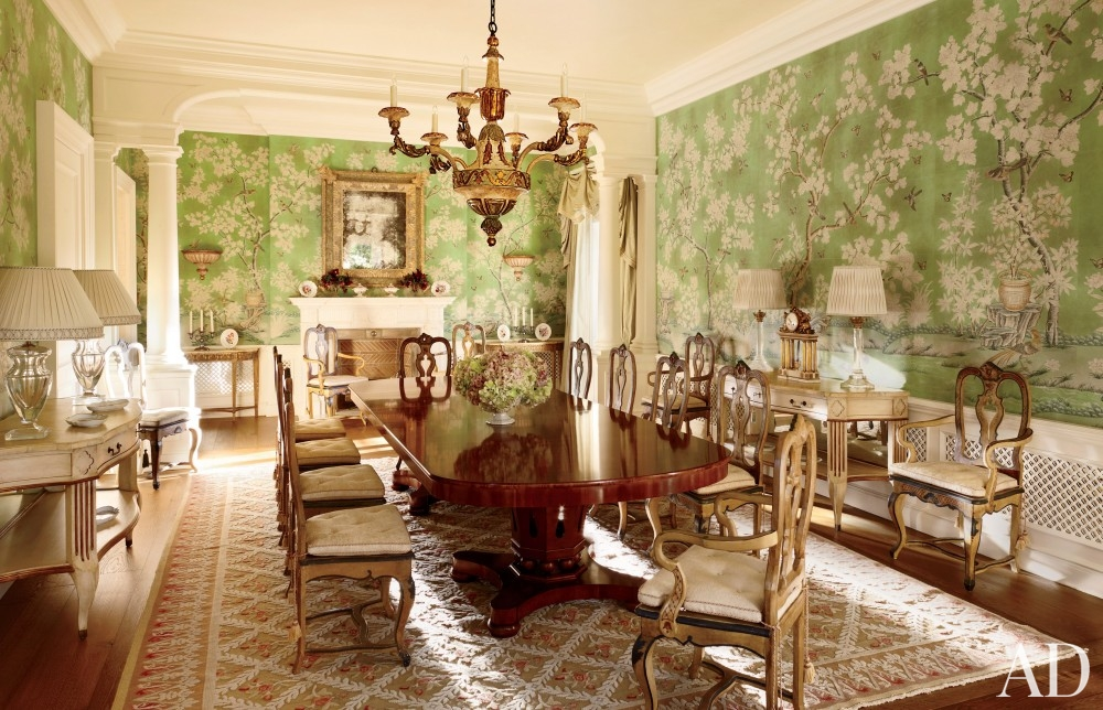 traditional-dining-room-david-easton-inc-palm-beach-florida chinoiserie wallpaper antique carpet