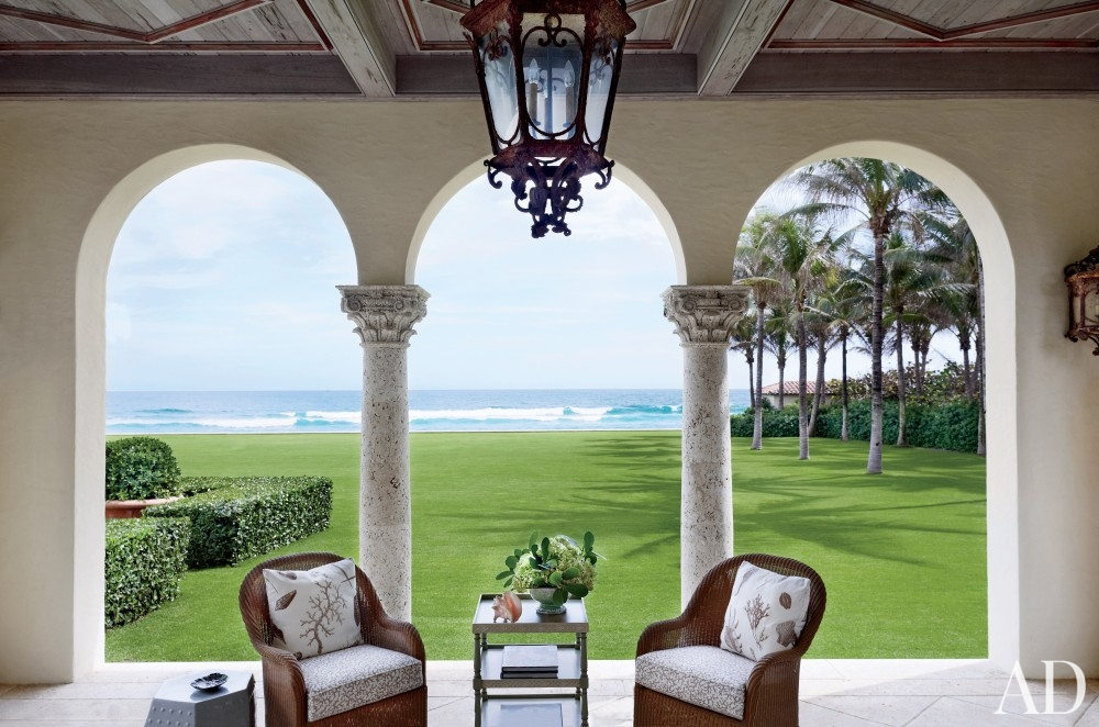 traditional-outdoor-space-david-easton-inc-palm-beach-florida better decorating bible blog colummns