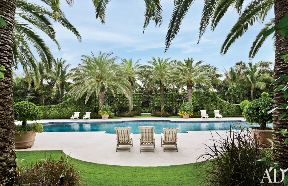 traditional-pool-david-easton-inc-palm-beach-florida backyard