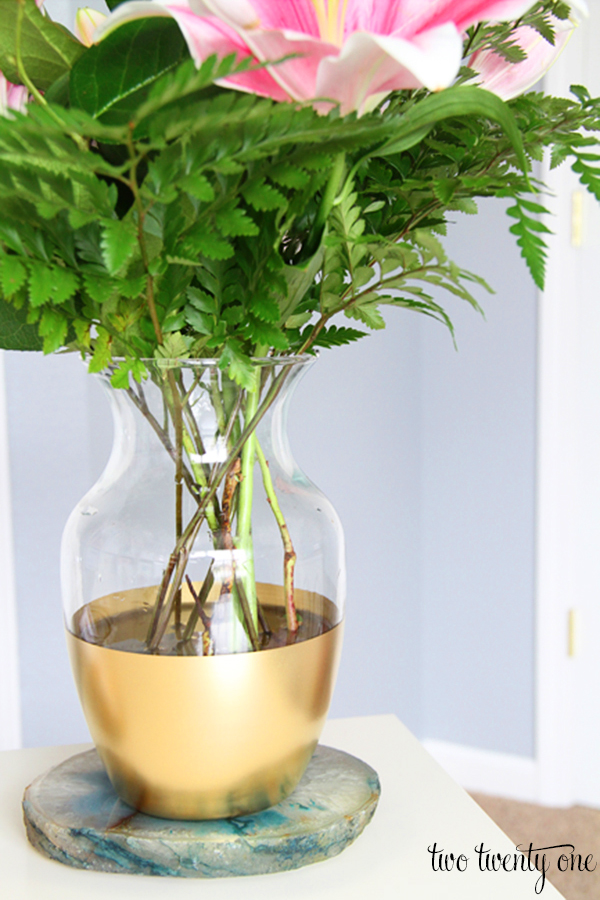 Houseplants Go GLAM - Here's How to Make Regular Plants and Floral on house plants in containers, tropical plants in vases, house plants in kitchen, green plants in vases, aquatic plants in vases, growing plants in vases, fake plants in vases, water plants in vases,