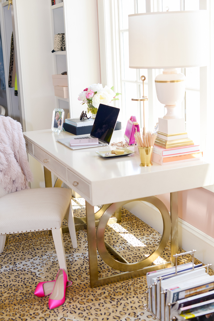 4 dream closet office leopard carpet white gold desk for Decor gold blog