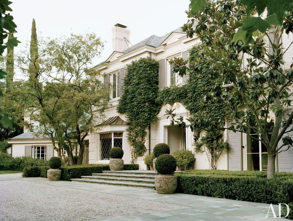 Home Tour Lauren King S Comfy L A Mansion